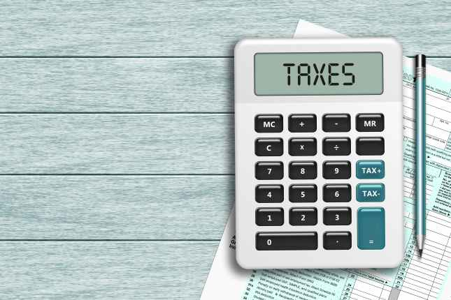 calculator with taxes text