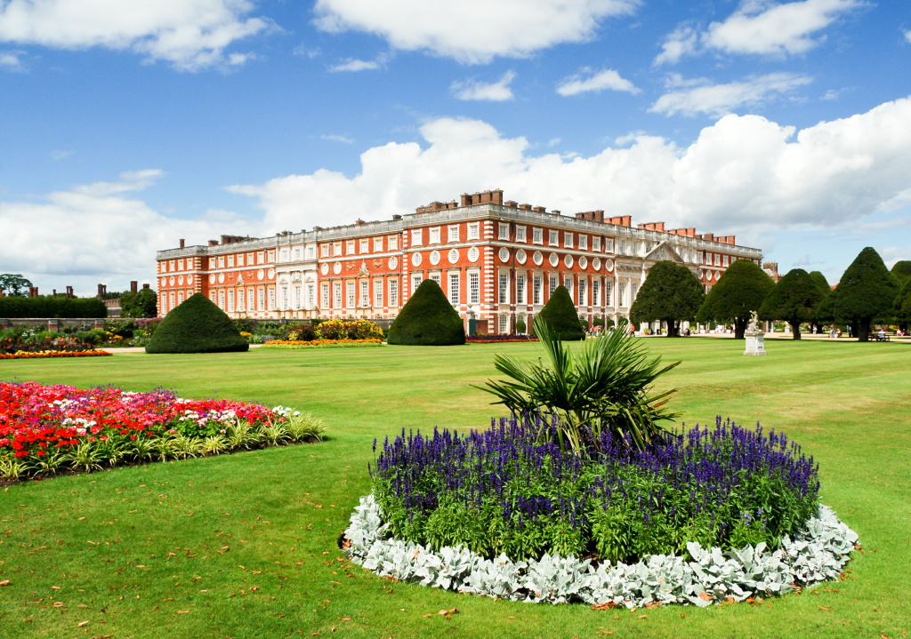 Removals Surrey, Hampton Court palace